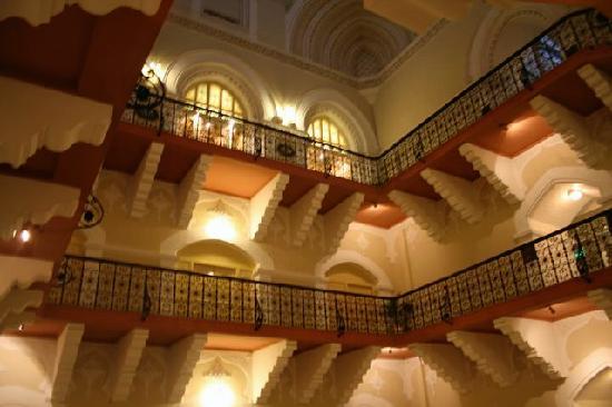 The Taj Mahal Palace: Colonial stairway, Taj Hotel Mumbai