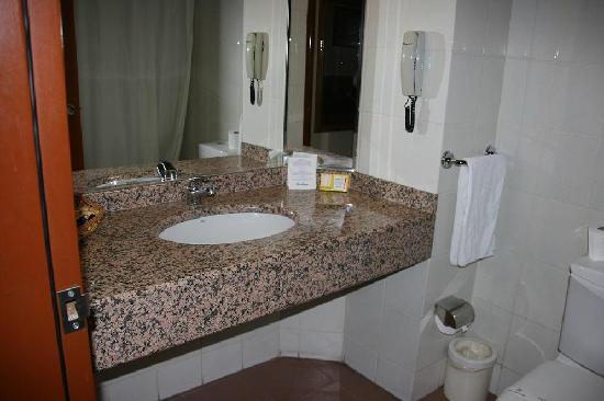 Hotel Ozkaymak Konya : Bathroom