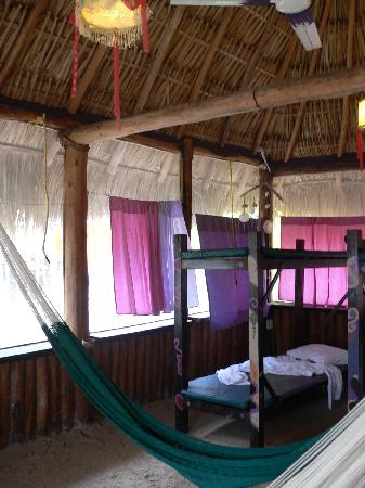 Hostel & Cabanas Ida y Vuelta Camping: Accomidations