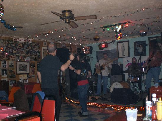 Troubadour Lounge: Friends dancing at The Troubadour