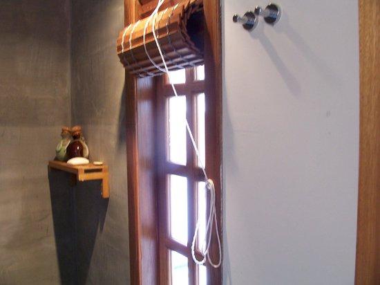 Rambutan Resort - Siem Reap : the bathroom window