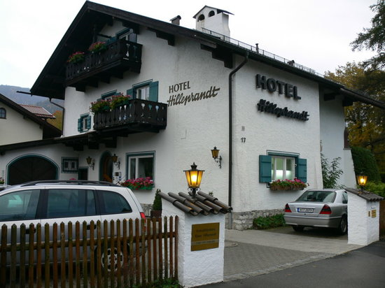 Hotel Hilleprandt : Free On-Site and Street Parking