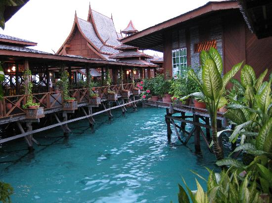 Pulau Mabul, Malesia: Lana Lounge from the Boardwalk