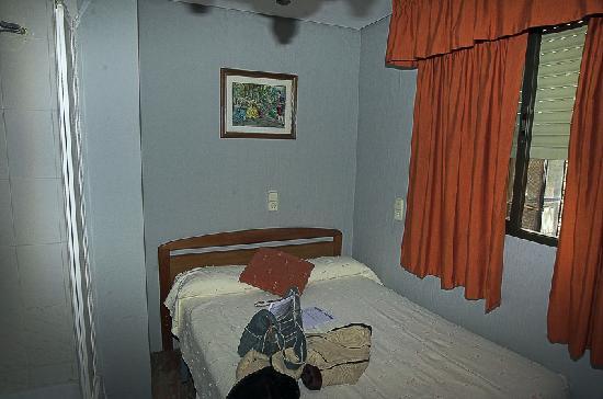 Hostal Nevada: The room-2