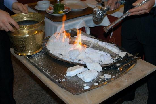 Hos seda: Salt encrusted sea bass on fire!