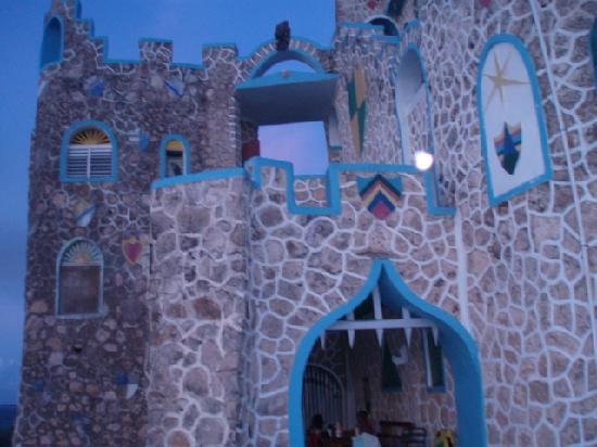 Blue Cave Castle: Blue Castle