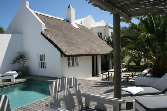 Zensa Lodge: the swimming pool