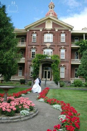 Vancouver, واشنطن: The Academy from outside