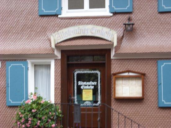 Altstaufner Einkehr: Blurry picture of the entrance (it was raining)