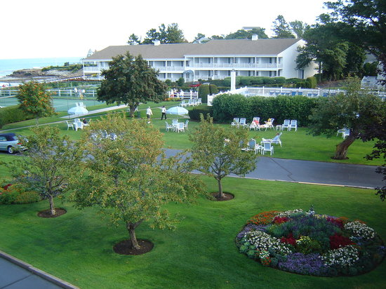 The Sparhawk Oceanfront Resort: Grounds at Sparhawk