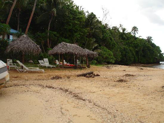 Mala Island Resort : Mala Island Beach