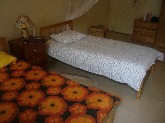 Banda Inns: 2-bed self-contained room
