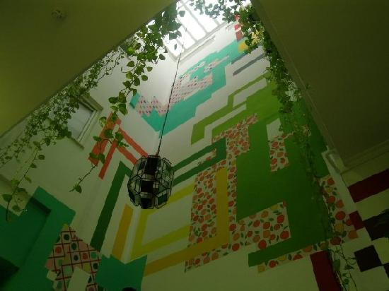 Sevilla Urbany Hostel: il tetto visto dal basso della sala colazione