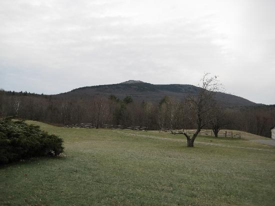 The Grand View Estate : The view from the main house, onto Mt. Monadnock