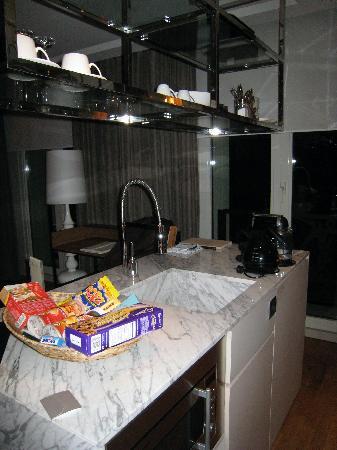 Witt Istanbul Suites: bar