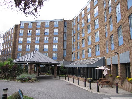 Zimmer bett picture of days hotel london waterloo for Hotels waterloo