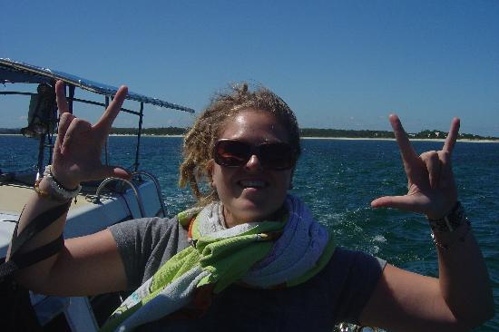 Melaleuca Surfside Backpackers: Me on a boat cruise in Nelson Bay, the hostel hooked it up