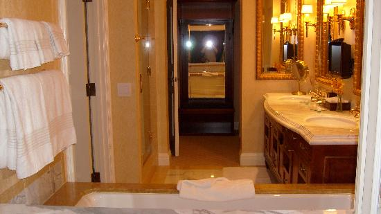 Fairmont Grand Del Mar: The view from the bedroom through the window into the bathroom.