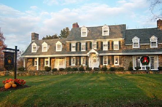 Chimney Hill Estate & Ol' Barn Inn: The main house