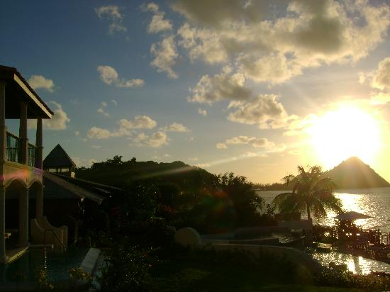 Cap Maison : Resort at sunset