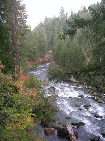Medford, Oregón: Rogue River -- Hellsgate Canyon