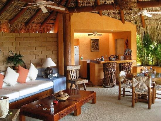 Villa Carolina Hotel: Open-air living space in master Suite