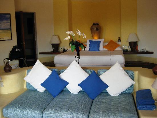 Villa Carolina Hotel: bedroom in master suite