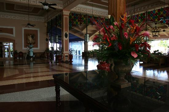 Hotel Riu Montego Bay: lobby with open air