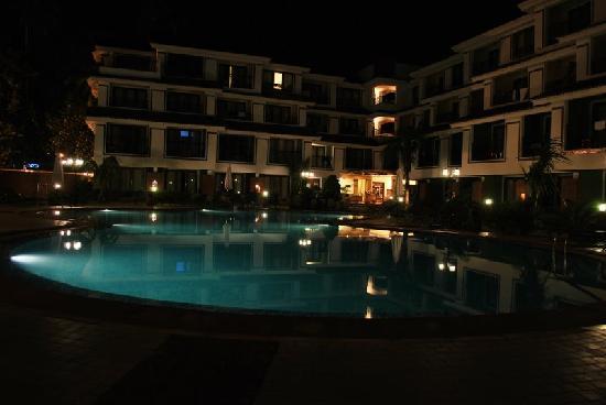 DoubleTree by Hilton Hotel Goa - Arpora - Baga: Swimming pool