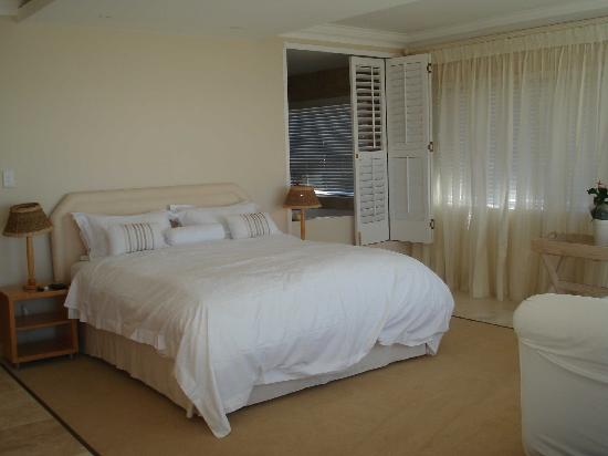 Atlantic Suites Camps Bay: Bed