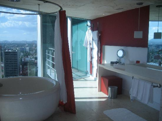 W Mexico City: Bathroom section of Suite
