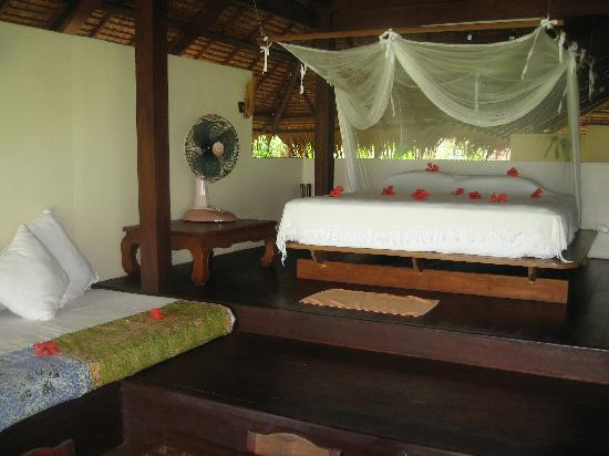 Koyao Island Resort: Bed # 1 & lounger