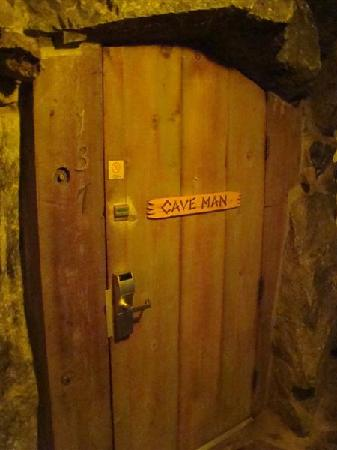 Madonna Inn: Caveman door