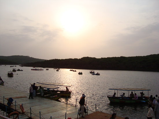 ماهاباليشوار, الهند: Mahabaleshwar Lake..sun set