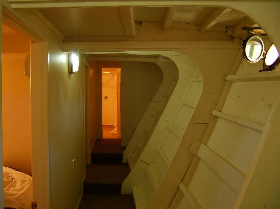 Woodlyn Park: Beneath desk - the cabins are great!