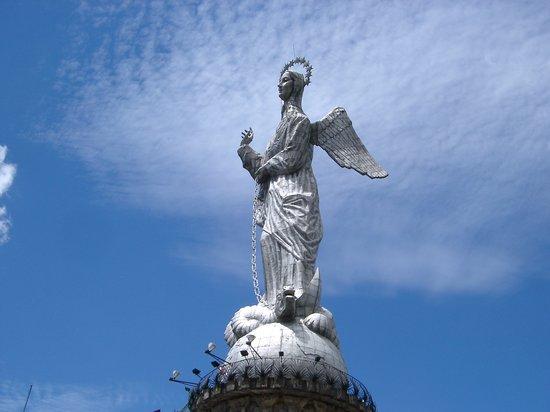 La Virgin del Panecillo: Virgin of the Americas