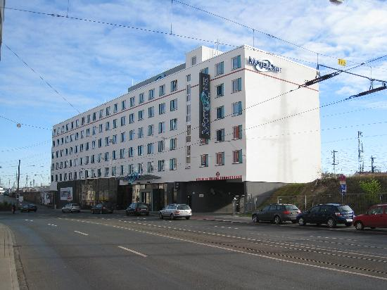 Motel One Nuernberg-City: Hotelansicht