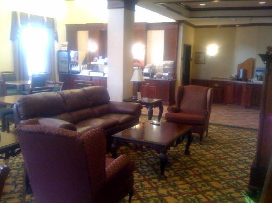 Holiday Inn Express Abilene: THe breakfast area