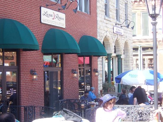 Luna Rossa: Patio Dining in the Spring- Summer and Fall