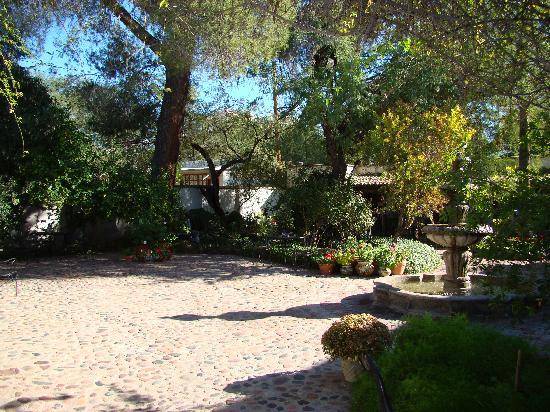 El Presidio Inn Bed and Breakfast : The Courtyard - El Presidio