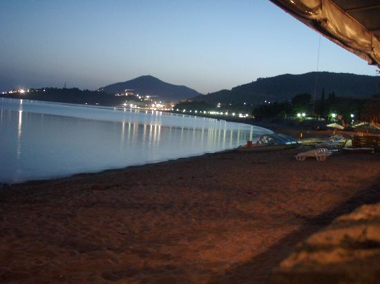 Hotel Splendid Conference & Spa Resort: beach night
