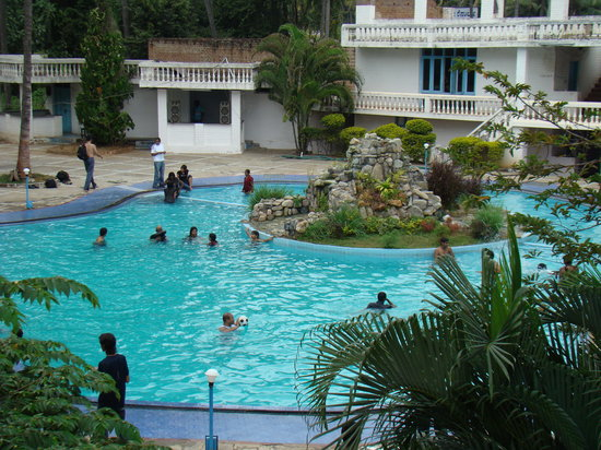 Amblee Holiday Resort: Swimming Pool
