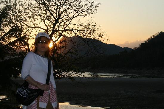 Mekong Estate : SUN SET FROM POOL