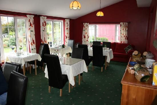 Nenagh, Irlandia: The beutiful breakfast area!