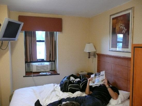 small but nice room, flat-screen TV - Picture of Econo Lodge Times ...