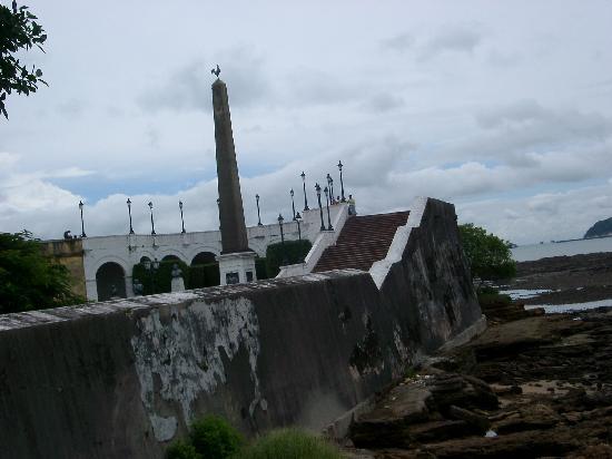 Seawall at Casco Viejo