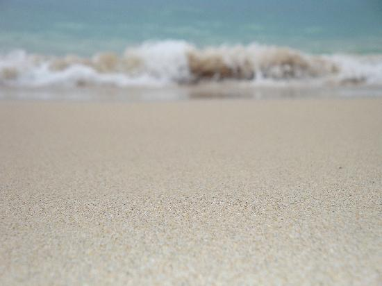 Mango Bay All Inclusive: Beach outside the hotel