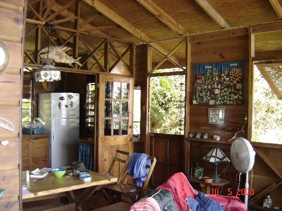 The Beach House Castara: The kitchen/dining area