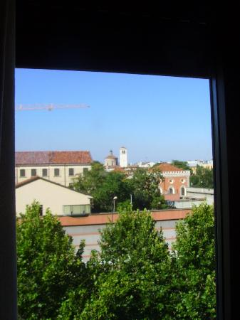 Hotel Sant'Ambroeus: View from Window