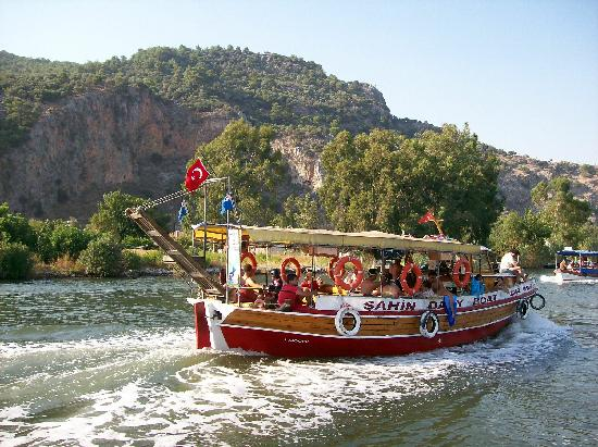 Lycian Rock Tombs: Typical river boat to see tombs